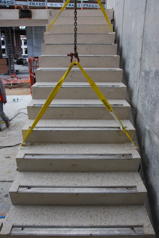 Ordinaire ... COBE Stair Install 04 29 11 228 ...
